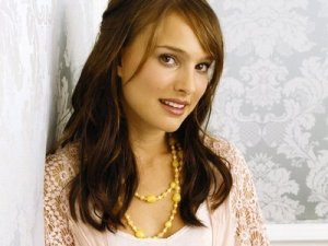 Natalie Portman The most beautiful artist in the world
